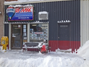 Remax office winter
